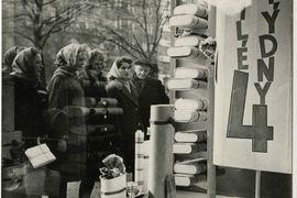Consumer imagination of the communist dictatorship: Czechoslovak advertising in the post-war era
