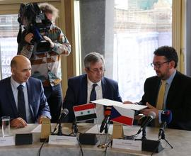 Během tiskové konference byla uzavřena Deklarace o projevení zájmu.