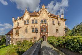 Vrchotovy Janovice Chateau