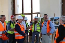Práce na rekonstrukci Historické budovy Národního muzea už pomalu finišují. Budovu navštívil během kontrolního dne i ministr kultury ČR Antonín Staněk.