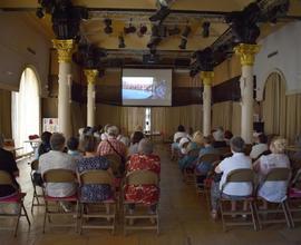 V přízemním sále muzea probíhaly filmové projekce