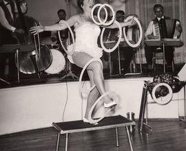 Helena Bernardos, balanc s kroužky