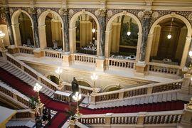 Komentovaná prohlídka Historické budovy Národního muzea pro neslyšící návštěvníky