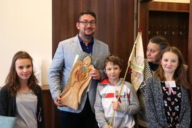 Děti udělily Janu Palachovi in memoriam Mírovou cenu – Anděla pro lepší svět.