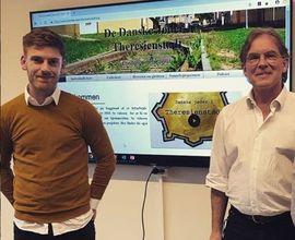 Členové vědecko-výzkumného projektu Dánští Židé v Terezíně: Topografie paměti Therkel Straede a Pelle Mose Hansen.