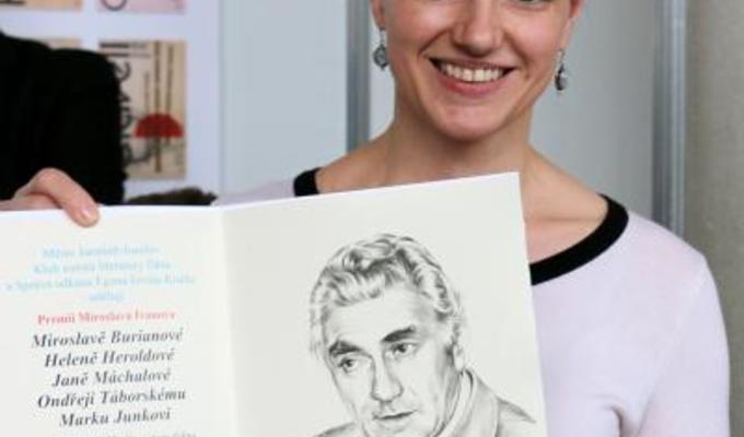 Kniha Móda v kruhu času byla oceněna prémií Miroslava Ivanova