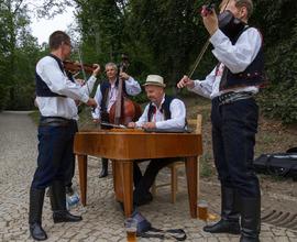 Cimbál u folkloru nemůže chybět
