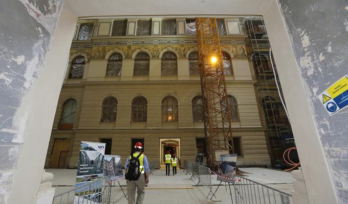 Veřejnost na dni otevřených dveří nahlédla, jak pokračuje rekonstrukce Historické budovy
