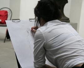 Během dne proběhly workshopy kresby pro dospělé