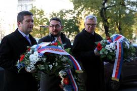 Předseda Poslanecké sněmovny, místopředseda Senátu a generální ředitel Národního muzea uctili památku Alexandera Dubčeka