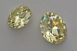Sbírka broušených drahých kamenů