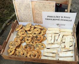 K ochutnání byly vanilkové štangle či preclíky