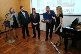 Národní muzeum získalo vzácné předměty z pozůstalosti manželů Benešových