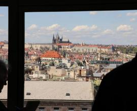 Během prohlídke měli návštěvníci možnost kochat se úžasnými výhledy z kanceláří pracovníků muzea.