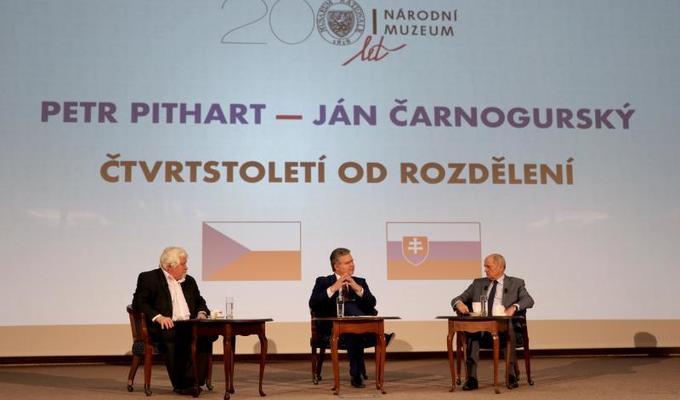 Bývalí premiéři Petr Pithart a Ján Čarnogurský hodnotili rozpad federace
